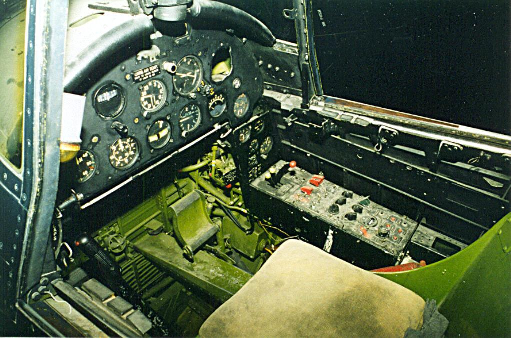 corsair_cockpit1.jpg
